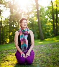 Julie Reisler Kneeling